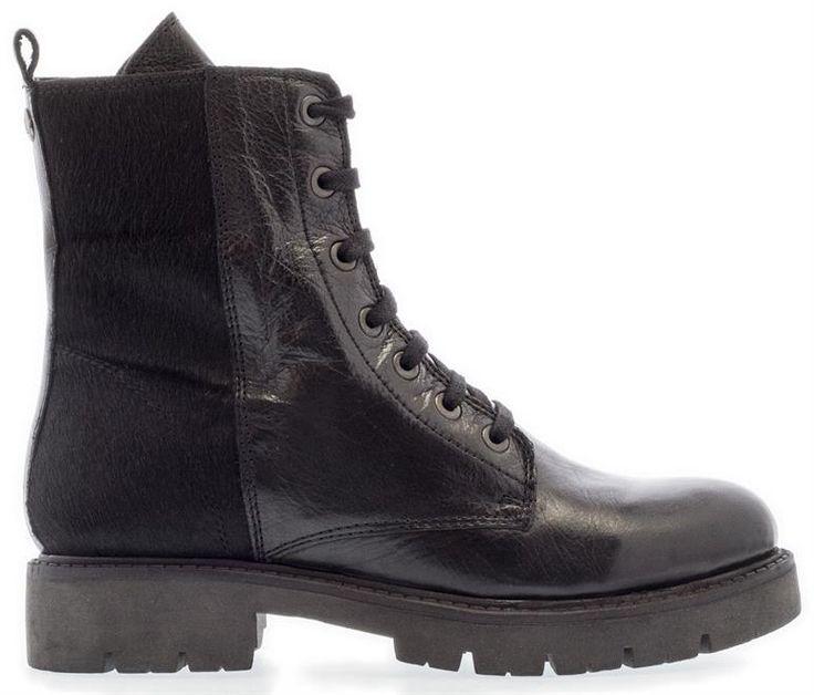 MARUTI | We just love stoere boots! Deze mooie laarzen met aaibare achterkant zijn vandaag in de sale gegaan. Scoor ze door op de foto te klikken!   #laarsjes #boots #booties #stoerelaarzen #shoes #iloveshoes #Zwartelaarzen #veterlaarzen #aaibaar
