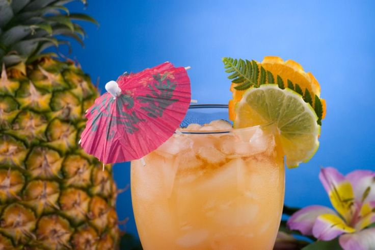 Cocktails are best enjoyed with good friends or a date, but on the Big Island they can be enjoyed oceanfront, on the sand and in front of the sunset. Big Island bars, restaurants and lounges offer so much more than the classic rum and cola and common beer. You have exotic tropical options such as strong mai tais with dark rum floats, macadamia nut and lychee martinis, and even a wide array of locally produced beers.