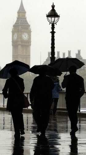 London - Big Ben, brollies and rain - three classics