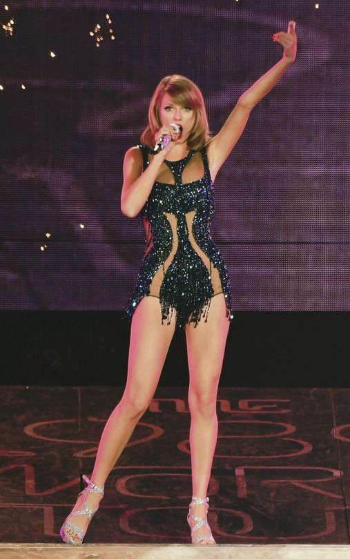 """SERBIAN SWIFTIE - Taylor looking like the description of a certain character from """"Soul Saviour""""..."""