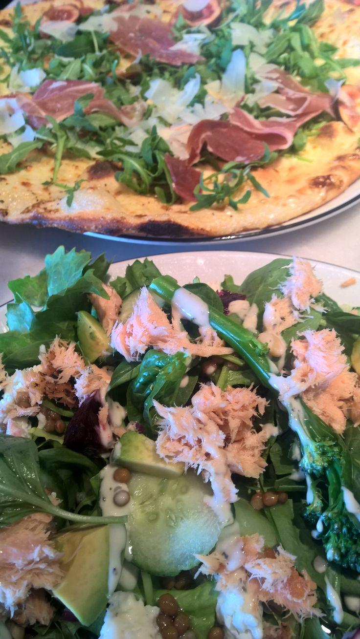 Salmon and Citrus Salad. Ziniz, Bawtry