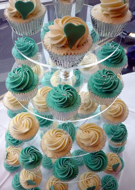 Turquoise and hearts wedding cupcake