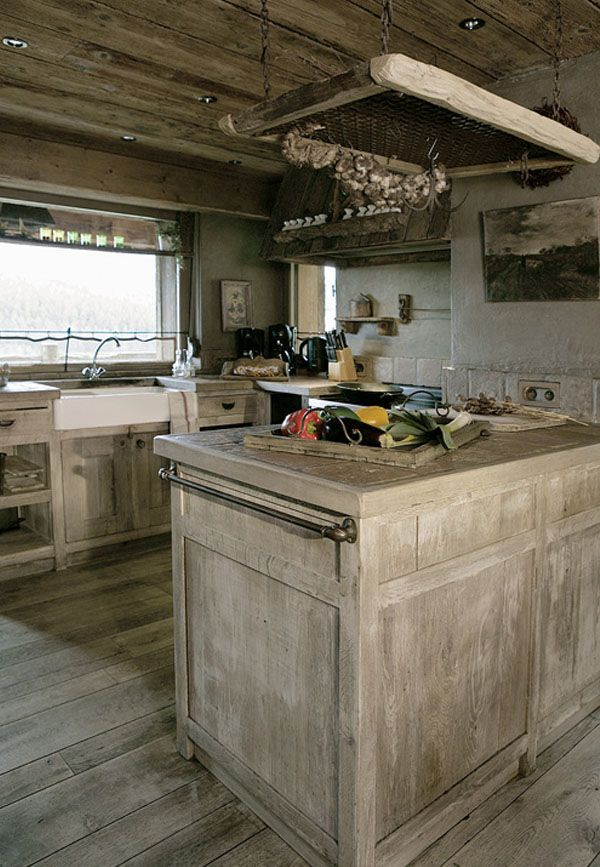 cocina de madera bruta
