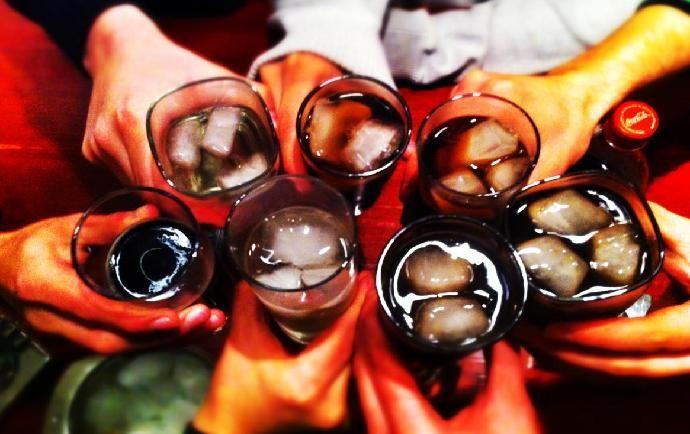 COPETE A DOMICILIO: QUE TU CARRETE NO SE ACABE - Despilfarra #amigos #fiesta #party #friendship