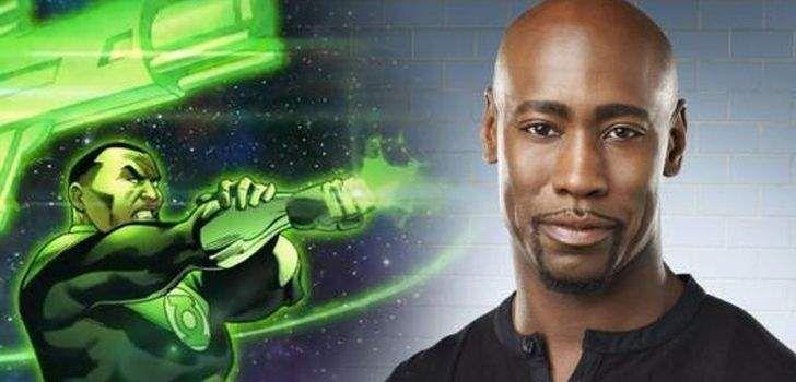 O ator D. B. Woodside, de Buffy – A Caça-Vampiros e, mais recentemente, Lúcifer, está em campanha para tentar conseguir o papel de John Stewart, um dos Lanternas-Verdes mais famosos, no Universo Expandido da DC Comics dos cinemas. É esperado que a Warner Bros. reintroduza o Lanterna-Verde ou, pelo menos, a ideia da Tropa noseu …