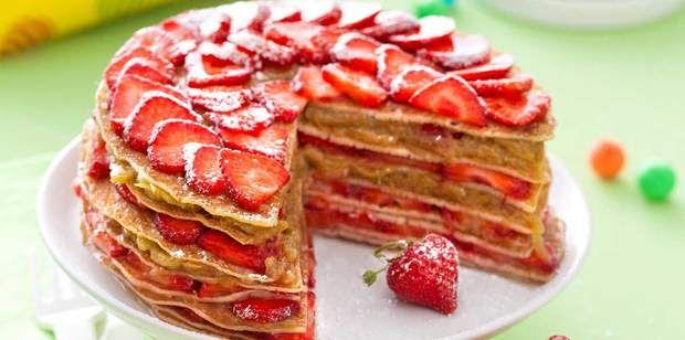 Gâteau de crêpes fraises-rhubarbeGâteau de crêpes fraises-rhubarbe