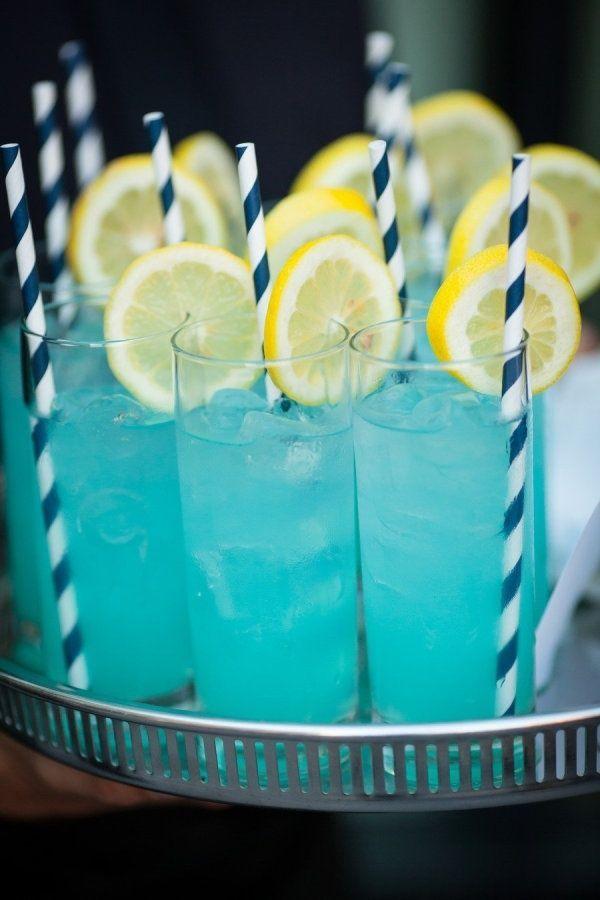 5 cocktails bleus pour un party de la Saint-Jean réussi
