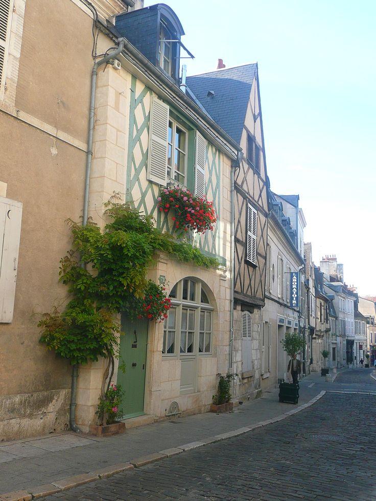 Photo de la rue Bourbonnoux à Bourges  @Sabine_Corsin