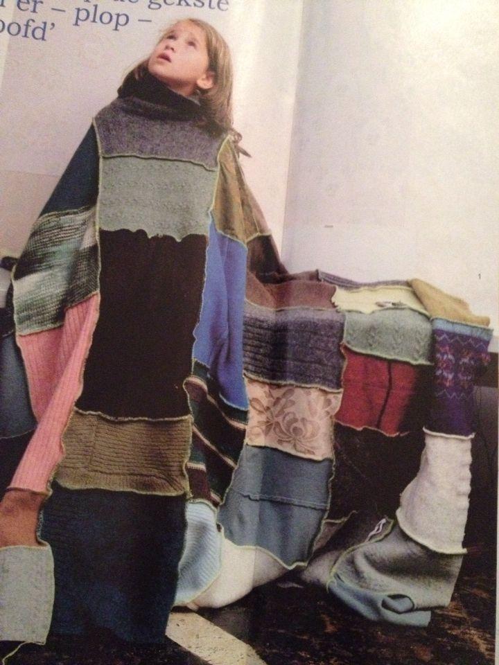 Oude kleren, kleden, stofjes Allemaal aan elkaar naaien en je hebt een heerlijke persoonlijke unieke deken tegen de kou