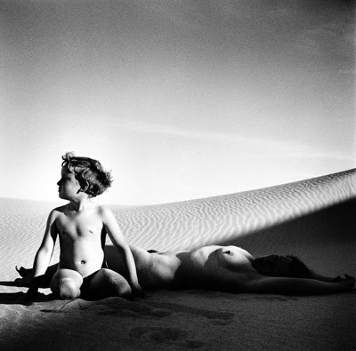 Max Dupain. Mother & Child, 1937.