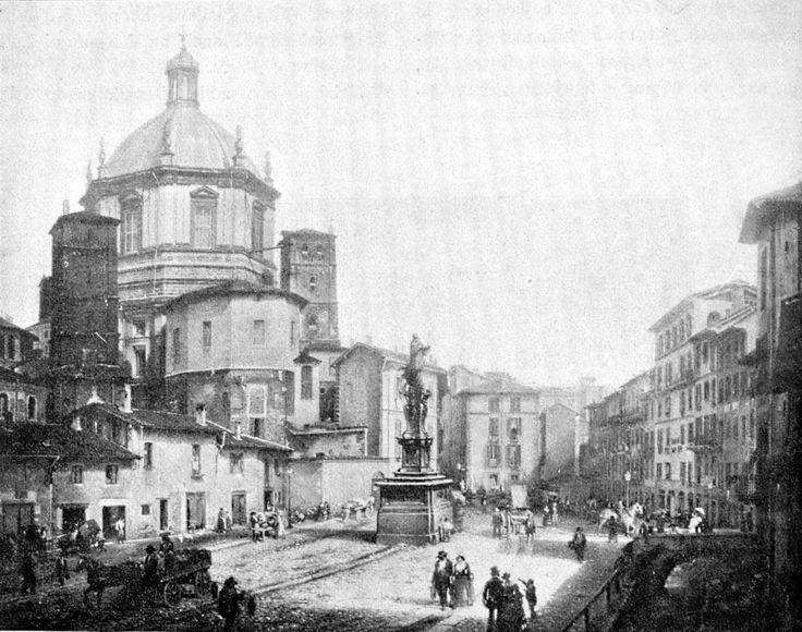 Antica foto di piazza Vetra con San Lorenzo Maggiore a Milano. Porta Ticinese.
