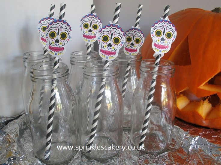 These retro style mini milk bottles are available to hire for your party or event and can be styled for many an occasion with simple colourful straws and look great on a dessert table. These straws were from Hobbycraft UK in October 2016.