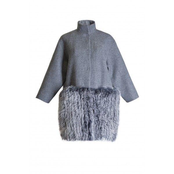 Серое пальто с натуральным мехом песца