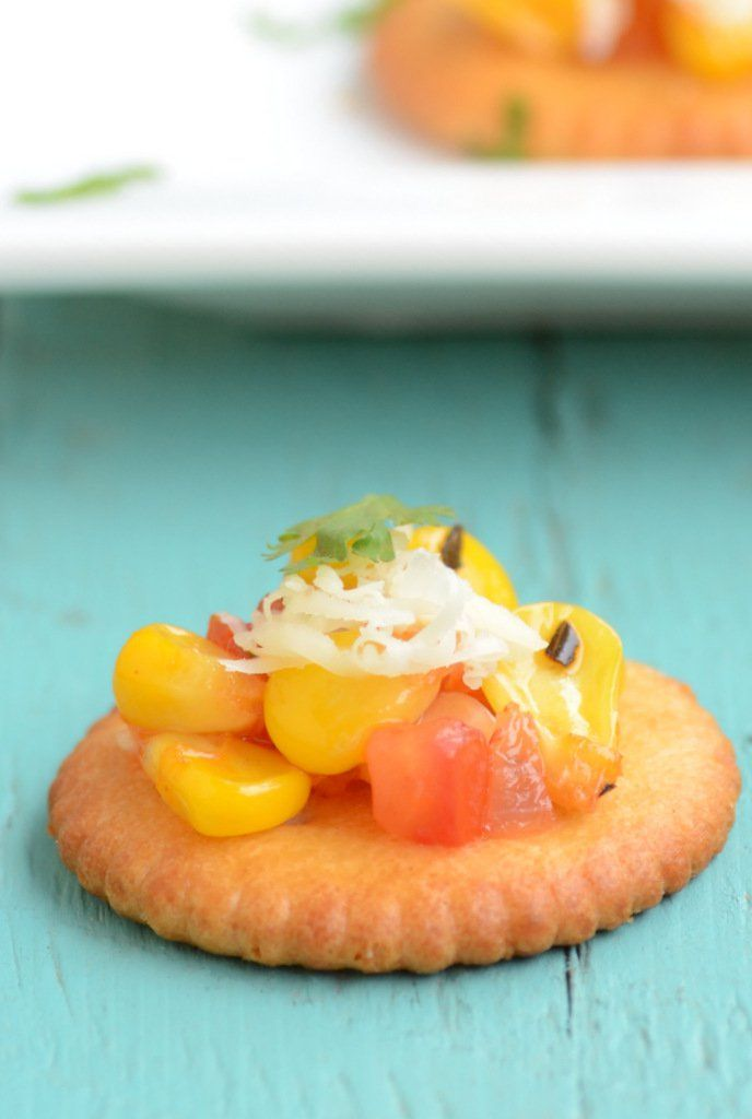 Biscuit Canapes are delicious little bites of flavor, with steamed corn salsa served on crackers or savory biscuits. It is delicious, explodes in the mouth and is packed with flavors.