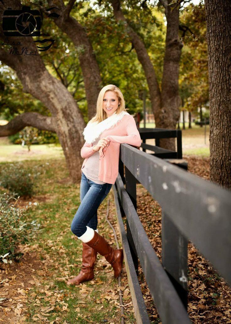 Senior Portrait  Photo  Picture Idea - Girls - Fall -9276