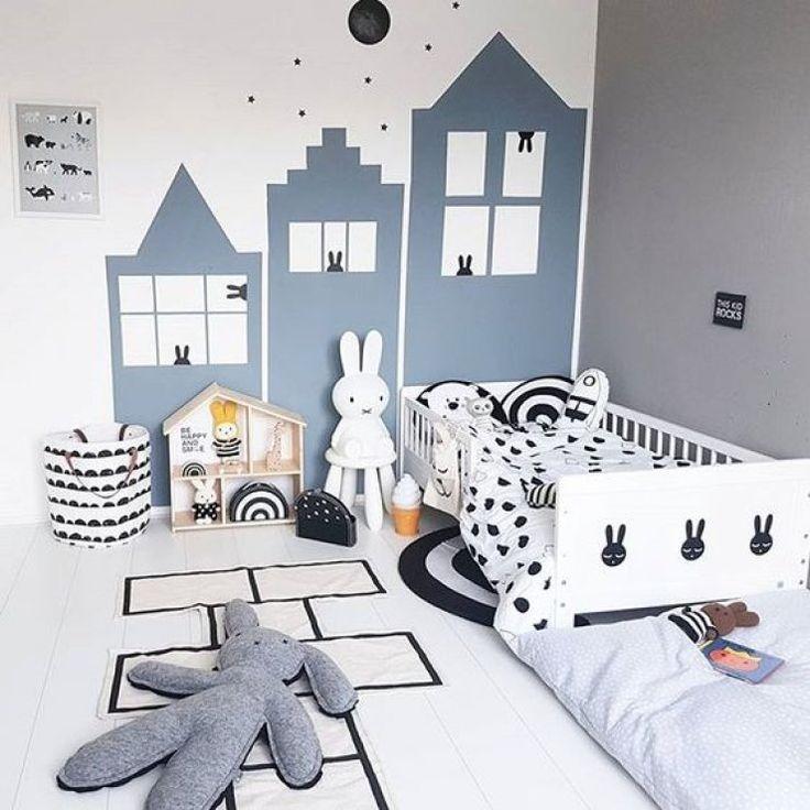 Werbung – die Häuserfassade an der Wand ist eine schöne Wandgestaltung für ein Kinderzimmer