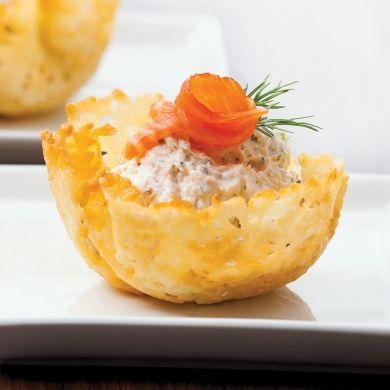 Coupelles de parmesan au saumon fumé - Entrées et soupes - Recettes 5-15 - Recettes express 5/15 - Pratico Pratique