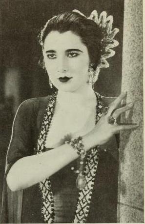 Nita Naldi  with a Art Deco hair comb