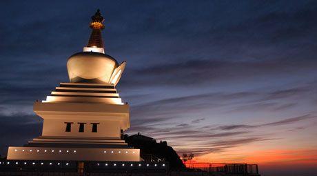 La Estupa de la Iluminación de Benalmádena cumple diez años