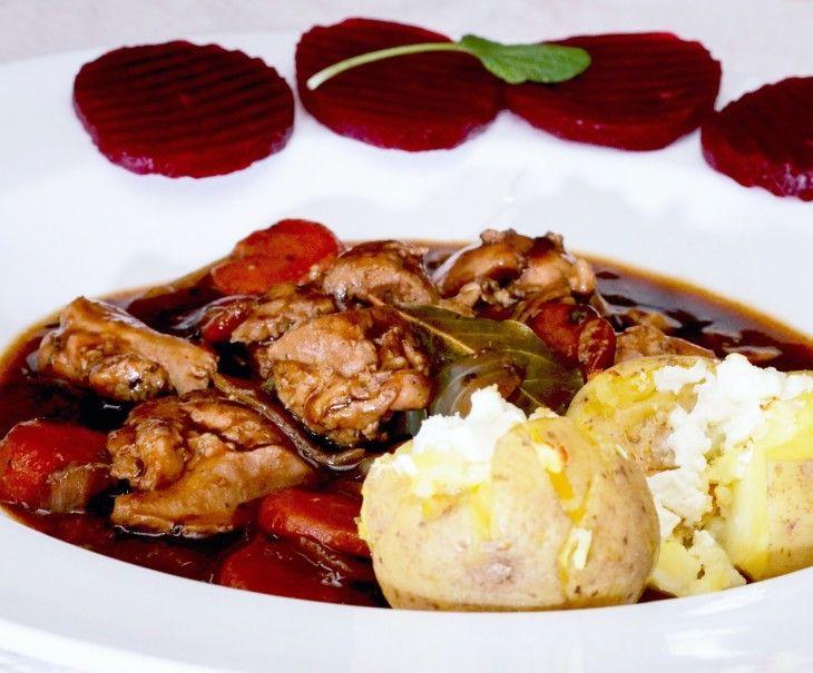 En härligt god kalops med kyckling. Här går det undan med tillagningen och du har middagen klar i ett nafs!