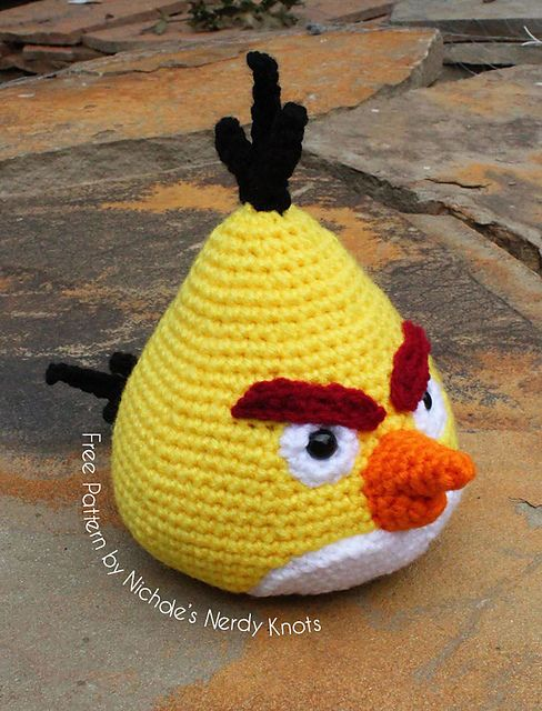 """Chuck the Angry Bird - Free Amigurumi Pattern - PDF File click """" download """" or """" free Ravelry download """" here: http://www.ravelry.com/patterns/library/chuck-the-angry-bird"""