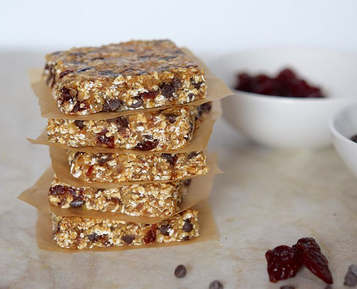 We can always rely on Pamela Salzman for completely realistic clean recipes. These no-bake breakfast bars are packed with fiber and protein, and are perfectly portable for mornings on the run...