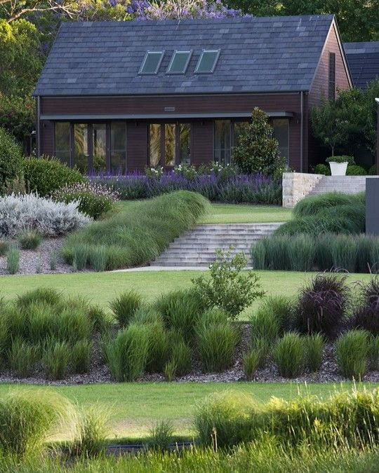 The Mann Residence Award Winning Garden created by LNA Member @naturesvisionlandscapes | landscape design by Michael Cooke Garden Design