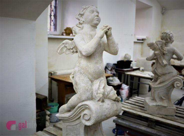 У Львові врятували ангелів з костелу Св Антонія