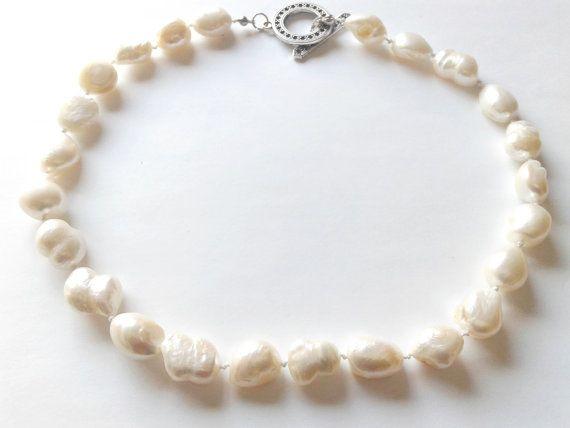Guarda questo articolo nel mio negozio Etsy https://www.etsy.com/it/listing/502466283/collana-perle-barocche-perle-barocche