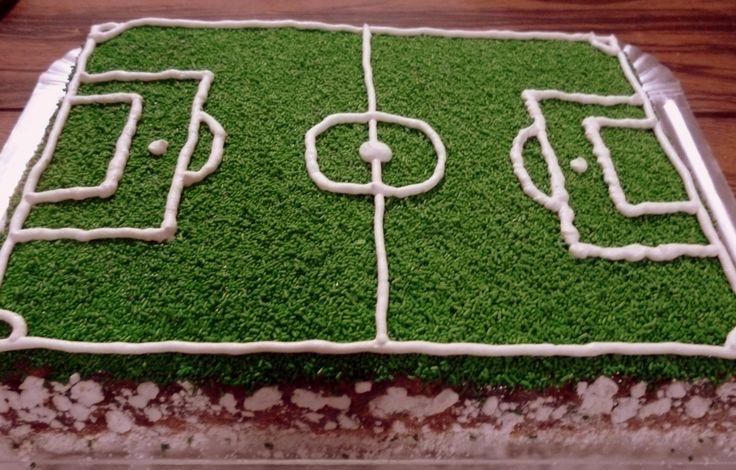 Torta de cumpleaños. Cancha de futbol.