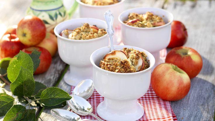 Smulpaj med äpplen och cornflakes
