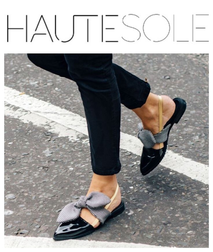 HAUTESOLE STREET-STYLE ••••••••••••••••••••••••••••••••••••••••••••••• ✨ ✨ ✨ ✨ ✨ ✨ ✨⠀⠀⠀⠀⠀⠀⠀⠀⠀⠀⠀⠀⠀⠀⠀⠀⠀⠀⠀ ⠀ #HAUTESOLE #Fashion #Footwear #Shoes #style #streetstyle #FashionWeek #magazinE