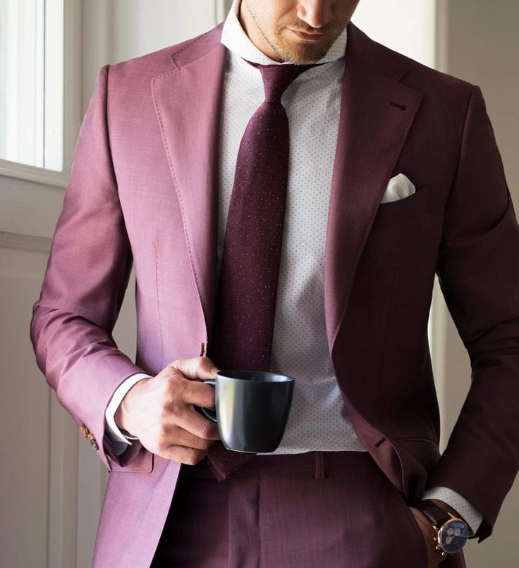 The Lecce burgundy suit, Glasgow shirt and Shifting burgundy blend tie. Tag a friend who could pull off this look!  @tomohlin www.Grandfrank.com