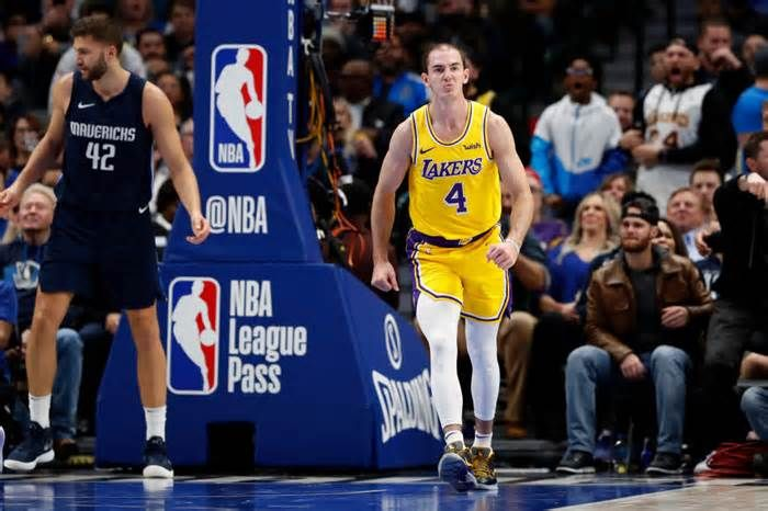 Lakers Alex Caruso Spawns Internet Memes But Has Real Game Caruso Himself Likes Memes He Estimates He Shares 10 Or More Twitter Internet Memes Memes Viral