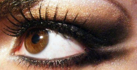 La leggenda degli occhi marroni.. (Bellissima)