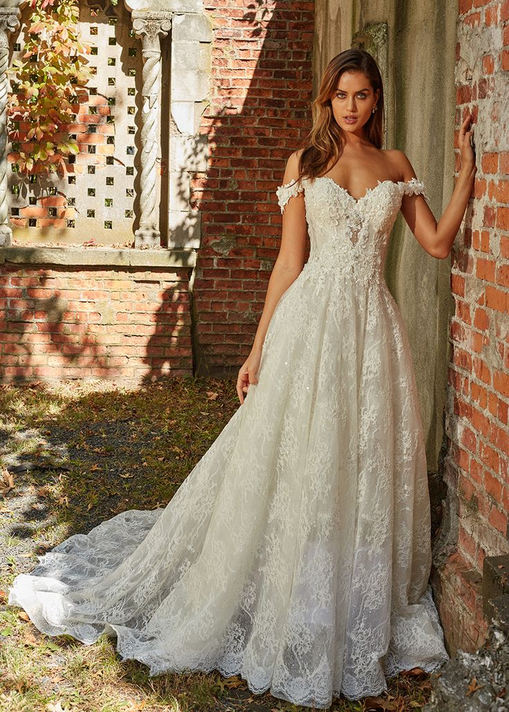 Sweetheart Off The Shoulders A-line Wedding Dress