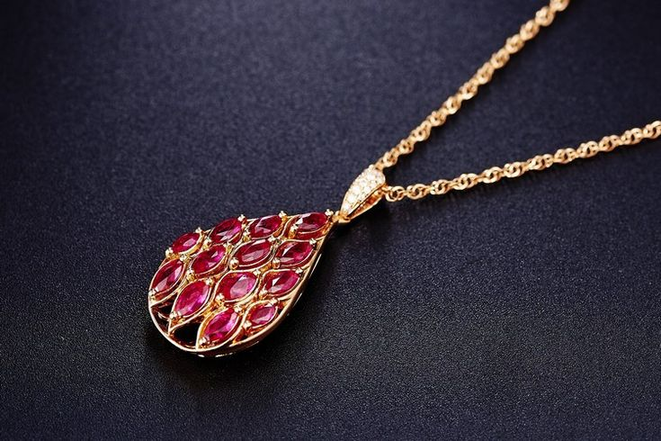 schmucktrends trendfarbe rot halskette rubin