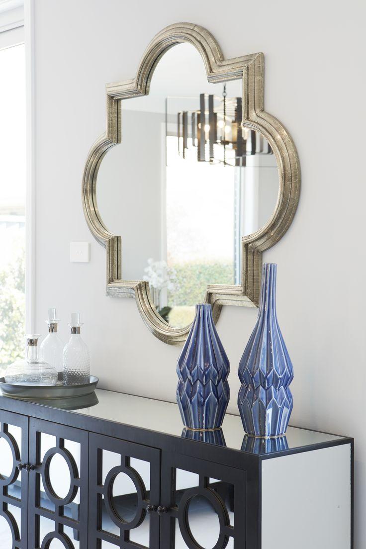 #hallway #mirror #metalic #sideboard #halltable #glass #gold #black #entrancestyling