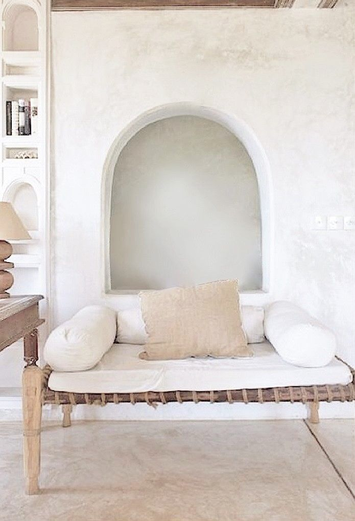 Round side cushions for day bed