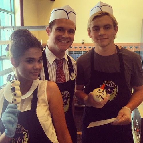 maia mitchell and ross lynch 2015 dating More about the relationship in the past, he has had history and link ups with women such as laura marano and maia mitchell, from 2012 to 2014after that, he has been dating australian model and actress courtney eaton since may 2015.