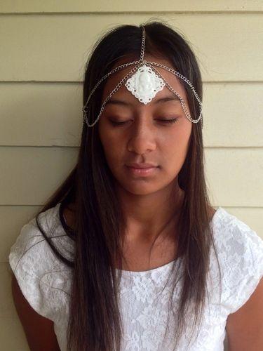 Maka-wear_5 STRAND_White and silver