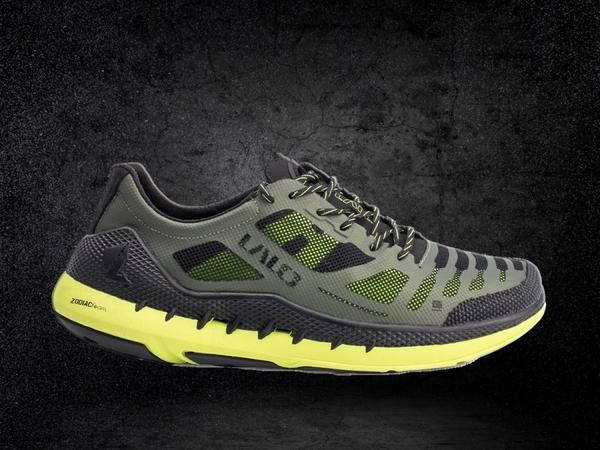 The Zodiac Recon is an over-sized, running shoe reinvented through lightweight component construction and responsive geometry. It provides the ultimate smooth, yet responsive ride for multi-grade terrain. The Zodiac Recon is a nimble and quick running shoe across a variety of substrates, suitable for both long and short distance runs. Features the LALO OCF Fit System, Anti-Inversion Dynamic Fit feature, ceramic-coated SUPER FABRIC™ toecap, passive drainage system, and Tri-Density Zodiac…