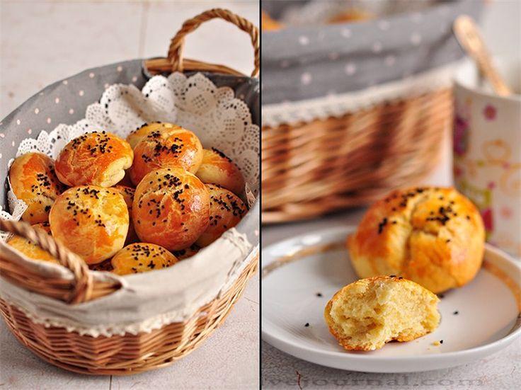 Cheese Turkish bread rolls (yeast-free)