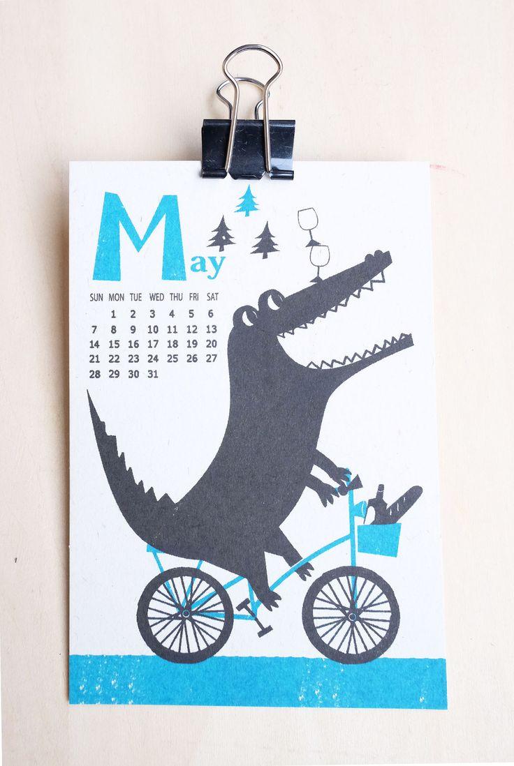 https://flic.kr/p/MR7Qpd | 2017 Calendar by Kyoko Nemotoalendar | Silkscreen print 100mm X 148mm 2017 カレンダー 今年も作りました! aozorastore.tumblr.com サイズ:100mmx 148mm (ポストカードサイズ)  印刷: 孔版印刷 (レトロ印刷) オモテ2色/ウラ1色 紙: 富士わら厚紙 価格: 1200円 (12ヶ月1セットです) お振込: 銀行振込の他、Paypal経由でクレジットカードでもお求めいただけます。カレンダー専用フォームよりご注文後、https://ws.formzu.net/fgen/S66212372 ご確認メールをお送り致します。 送料 郵便局のクリックポスト(全国一律1kgまで168円)でお送りします。 ※銀行お振り込み手数料はご負担頂いております。
