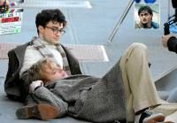 Daniel #Radcliffe continúa alejándose de su su célebre Harry Potter. En su último papel, en Kill Your Darlings, interpreta a un homosexual y protagoniza una escena de sexo que ha dado mucho que hablar. #Actor #Hollywood  Lea más en: http://unvrso.ec/000E22B