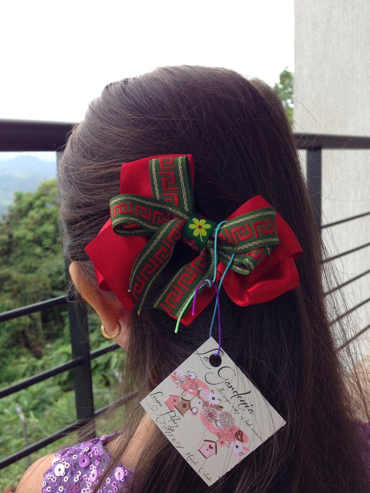 Moño navideño. VALOR: $4500 COP #Niñas #Moños #Navidad