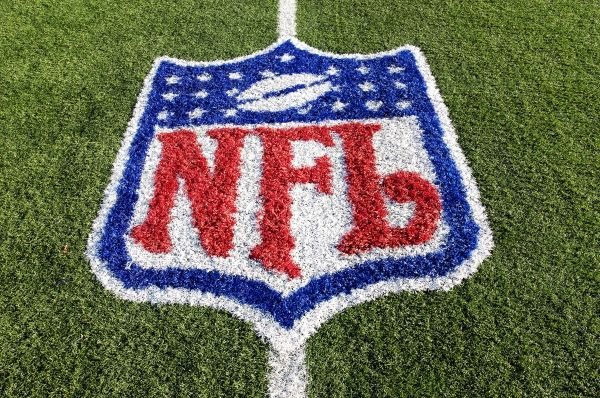 Finally...someone is talking about how the #NFL is using Social Media!