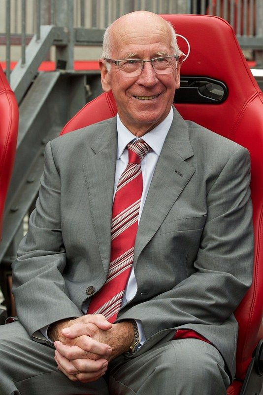 """Manchester United legend Sir Bobby Charlton tells United Review it's """"paradise"""" for the supporters to have Robin van Persie in the team."""