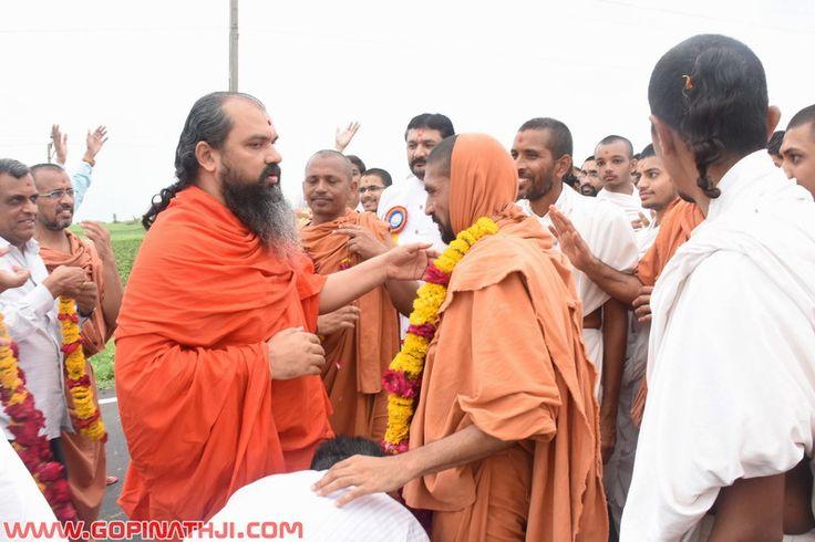 Mahuva To Gadhpur Padyatra (1) - 2016 - Gopinathji.com