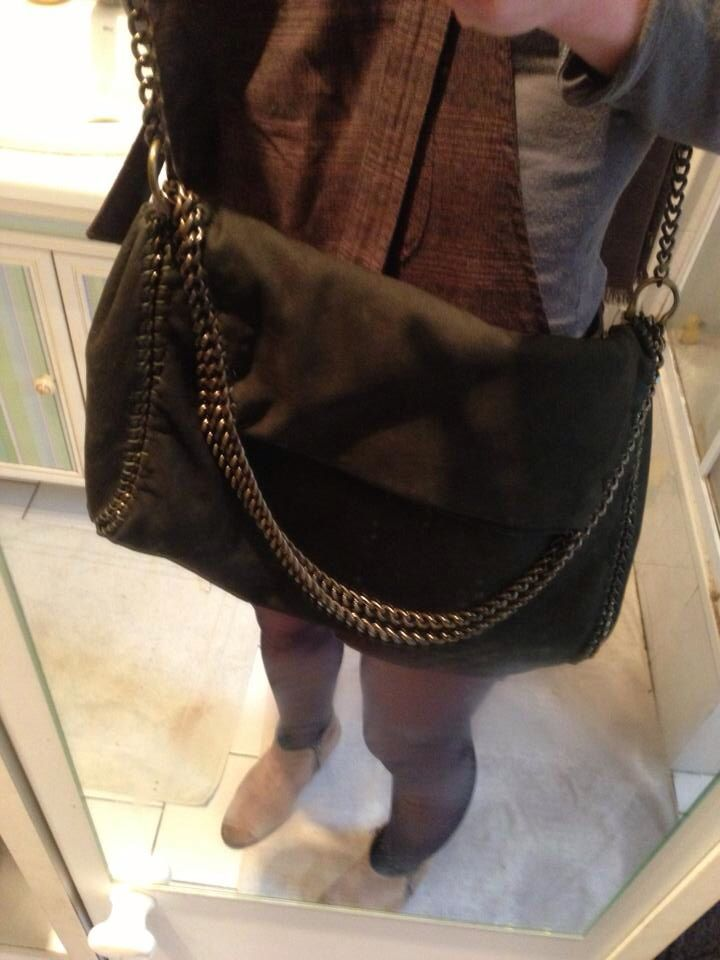 Made by Ray Kruk.  DIY Falabella bag in dark green leather. DIY sac Falabella en cuir vert foncé.